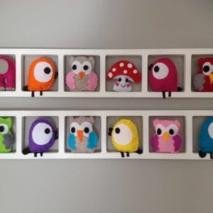 cadre mural decoratif chambre enfant figurines feutrine multicolores
