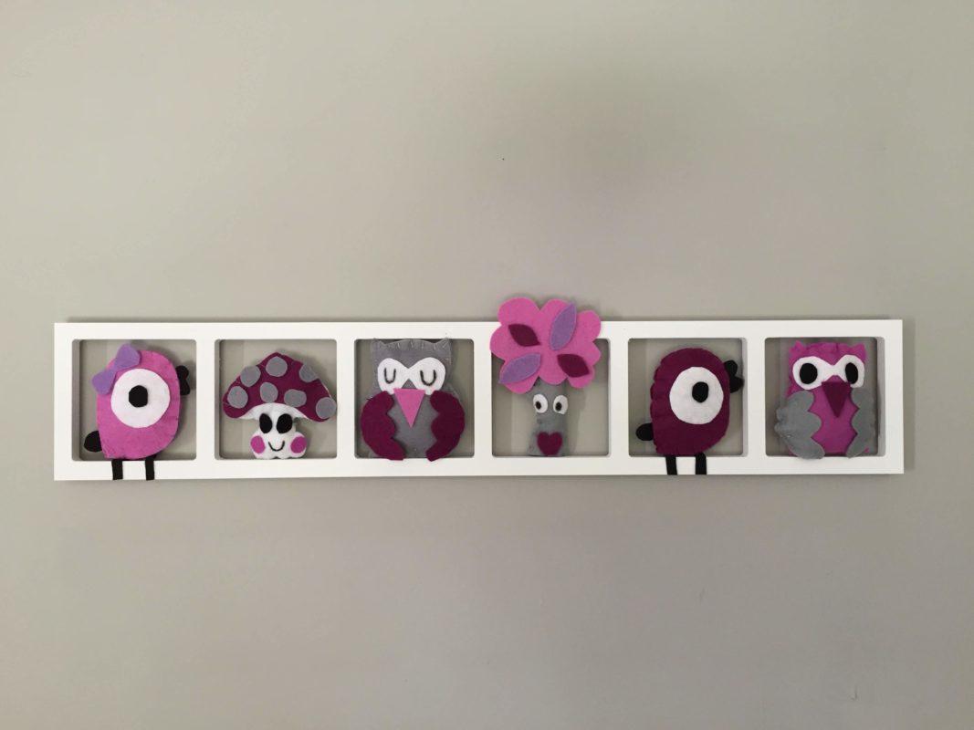 Décoration murale chambre bébé figurines rose aubergine gris