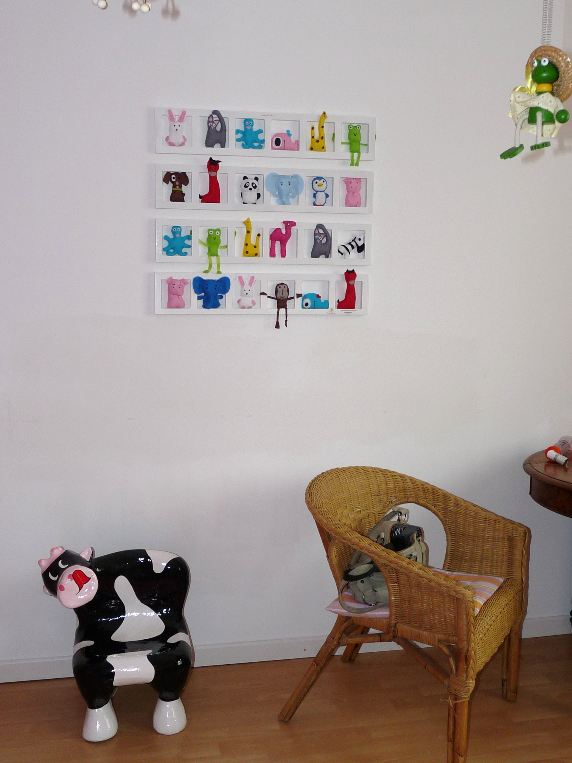 decoration mur chambre enfant cadre animaux multicolores personnalise. Black Bedroom Furniture Sets. Home Design Ideas
