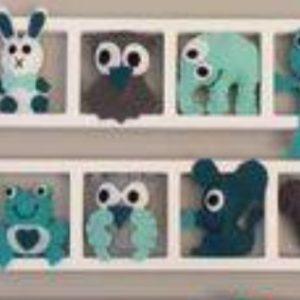 decoration mur chambre enfant cadre animaux multicolores personnalise