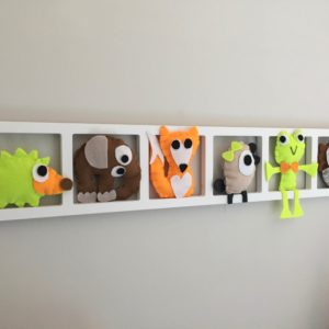 decoration murale cadre chambre bebe avec figurines feutrine orange vert citron brun