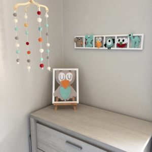 decoration murale originale chambre bebe tons pastels personnalisee
