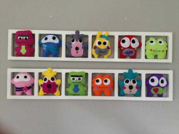 Decoration murale chambre enfant thème petit monstres multicolores