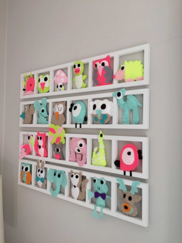 decoration chambre bebe fluo. Cadre mural avec figurines animaux en feutrine